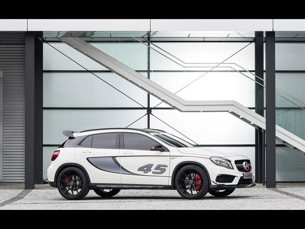 Mercedes GLA 45 AMG 2013