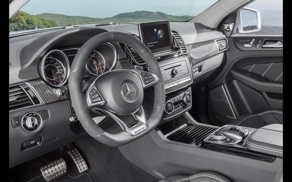 2015-Mercedes-AMG-GLE-63-Coupe-Interior-2-1680x1050