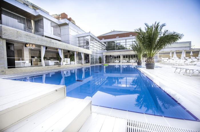 piscina_lux