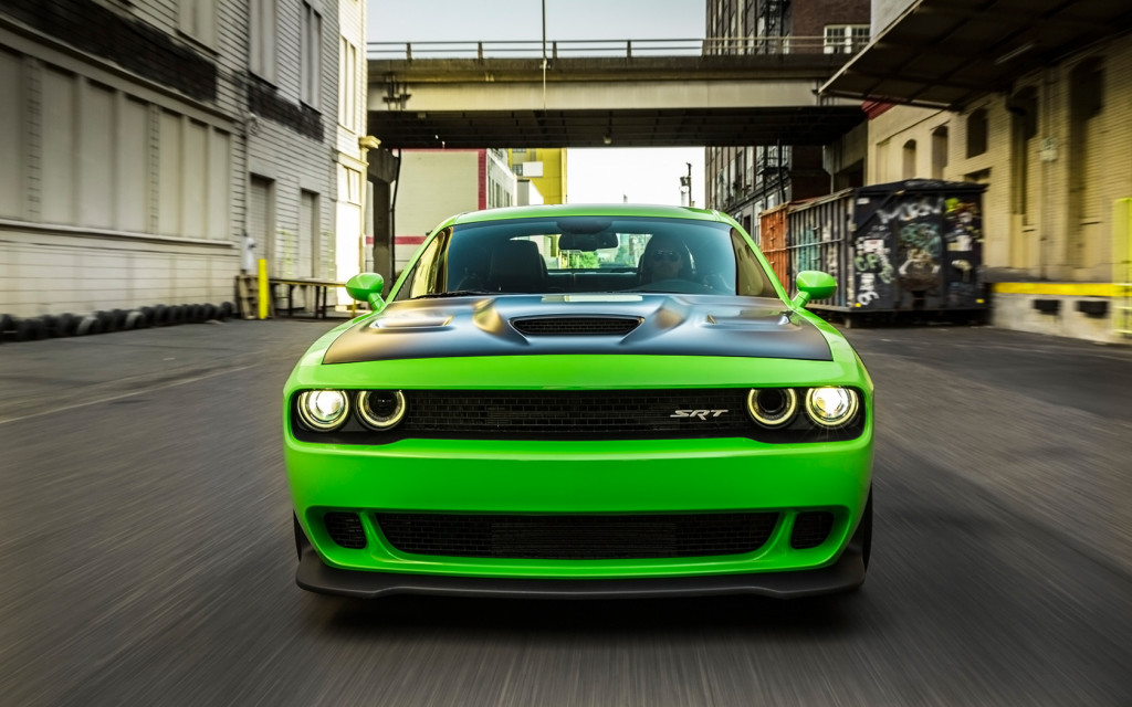 "Dodge Challenger SRT Hellcat - ""s-a întors din iad ..."