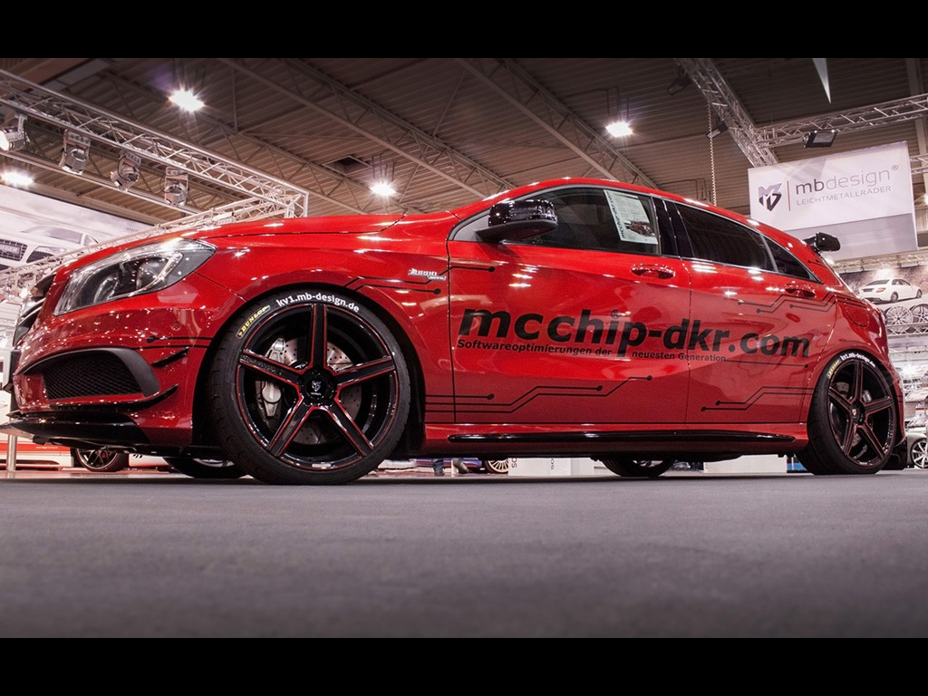 2014-mcchip-dkr-mercedes-benz-a45-amg-static-5-1024x768