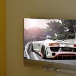 """Televizor """"agăţat"""" de perete, designul minimalist al unei camere moderne!"""
