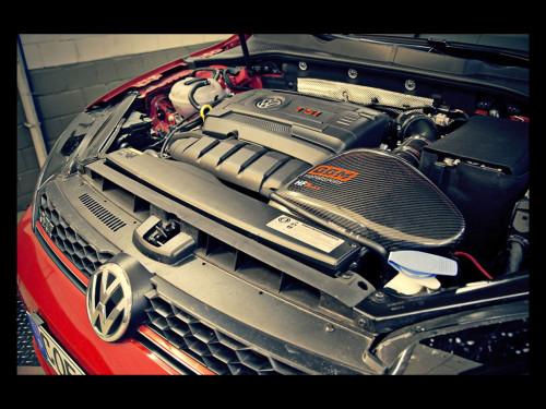 2014-BBM-Motorsport-Volkswagen-Golf-VII-GTI-Details-Engine-1024x768