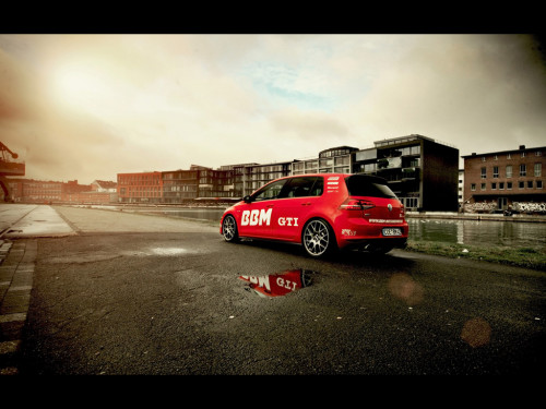 2014-BBM-Motorsport-Volkswagen-Golf-VII-GTI-Static-1-1024x768