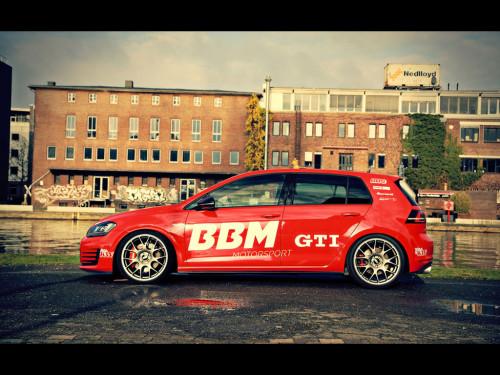 2014-BBM-Motorsport-Volkswagen-Golf-VII-GTI-Static-4-1024x768