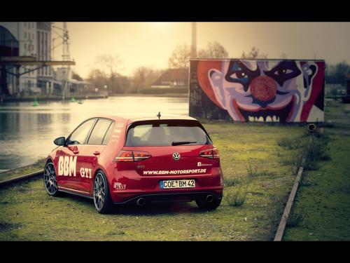 2014-BBM-Motorsport-Volkswagen-Golf-VII-GTI-Static-6-1024x768