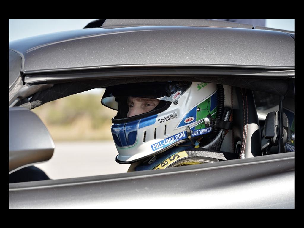 2014-Hennessey-Venom-GT-World-Speed-Record-Team-4-1024x768