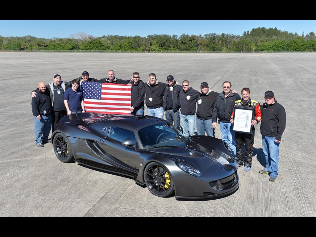 2014-Hennessey-Venom-GT-World-Speed-Record-Team-7-1024x768
