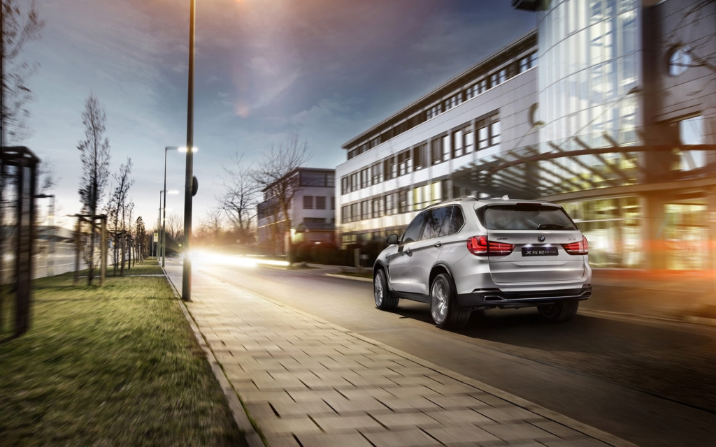 2014-BMW-Concept-X5-eDrive-Motion-3-1680x1050