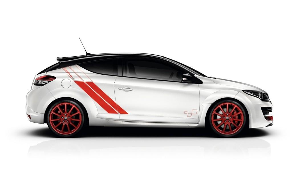 2014-Renault-Megane-RS-275-Trophy-R-Studio-1-1680x1050