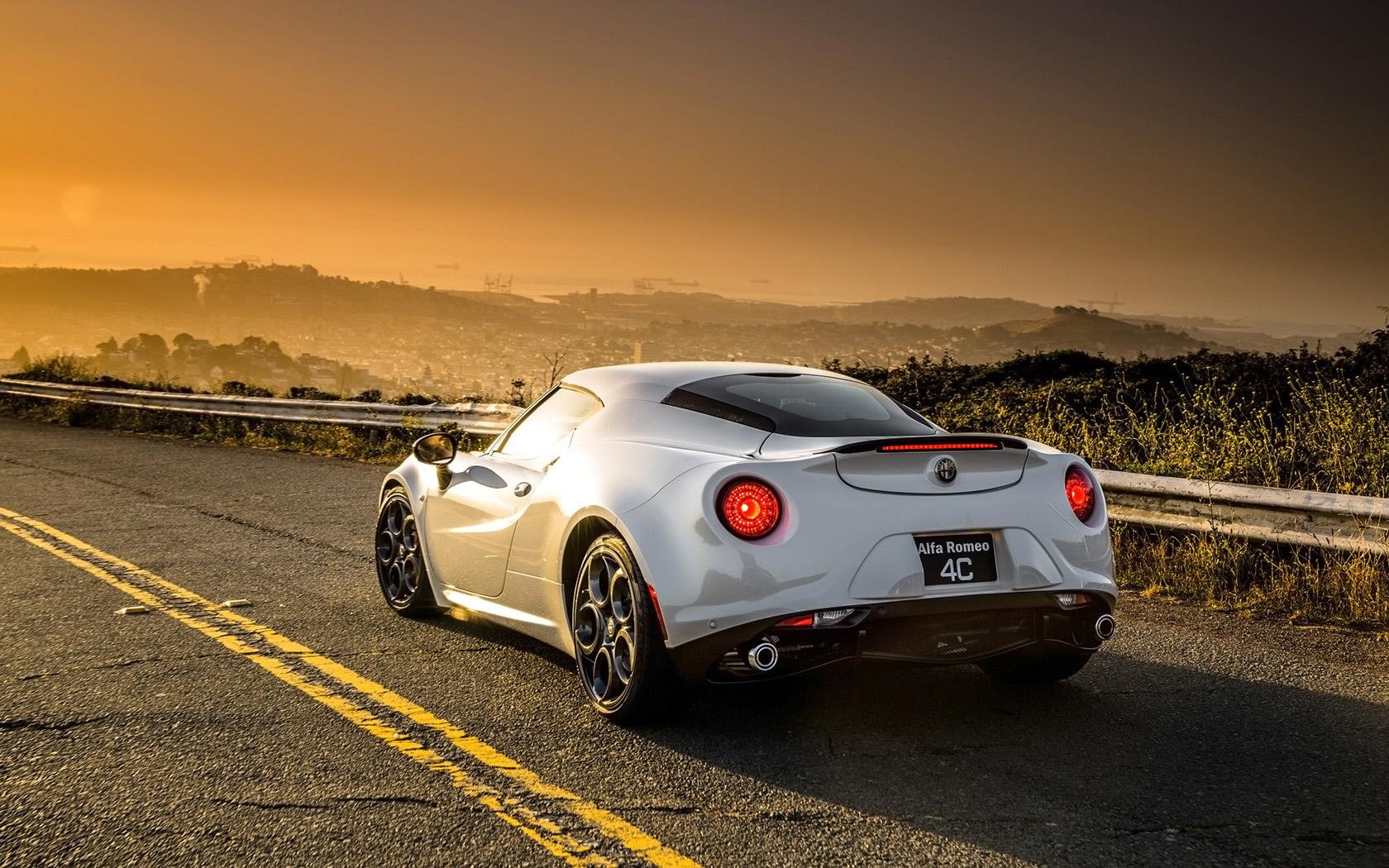 Alfa Romeo 4C, doar 4 secunde până la 100km/h