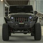 "Jeep Wrangler Nighthawk ""are ochii lui Terminator"""