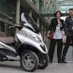 PIAGGIO MP3, primul scooter din lume cu două roți frontale