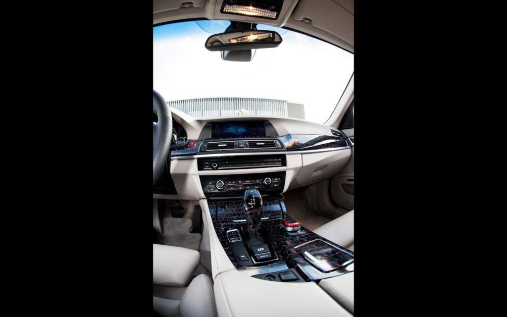2014-fostla-de-BMW-550i-Interior-1-1680x1050