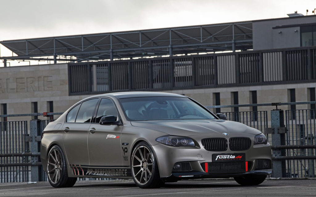 2014-fostla-de-BMW-550i-Static-3-1680x1050