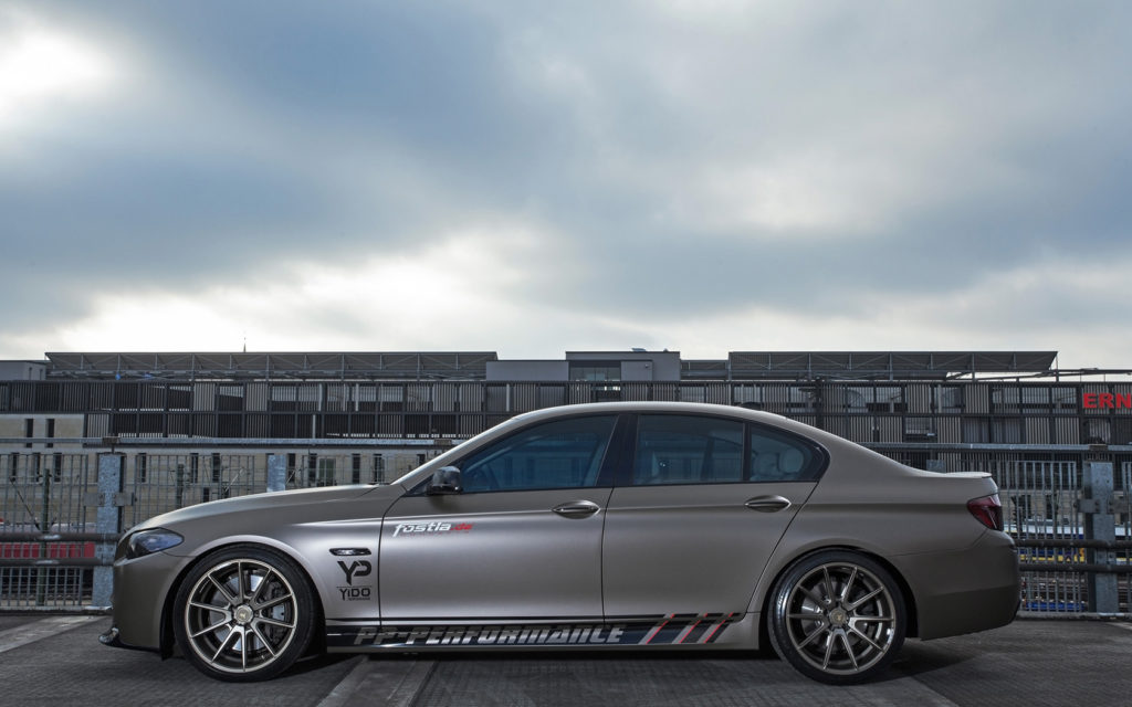 2014-fostla-de-BMW-550i-Static-9-1680x1050