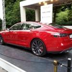 Mașinile Tesla S pot evita amenzile de parcare!