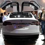 Tesla primește comenzi pentru SUV-ul Model X