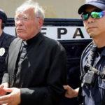 Un preot din Texas riscă închisoarea pentru refuzul de a căsători doi veri homosexuali