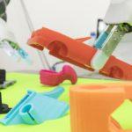 Roboții învață singuri cum să apuce obiectele