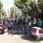 Copiii cu dizabilități s-au plimbat cu bicicleta cu sprijinul Asociația Pedalăm pentru Oameni