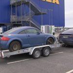 Audi TT accelerează mai repede când e tractat de o Tesla