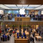 Apple a câștigat mai mulți bani în ultimul trimestru decât a făcut Amazon de când s-a lansat