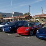 Cei care au pariat împotriva lui Tesla au pierdut 1 miliard de USD