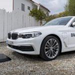 BMW a lansat încărcarea wireless pentru mașinile lor electrice