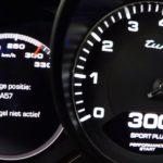 Unele SUV-uri din prezent sunt extrem de violente atunci când vinde vorba de viteză!