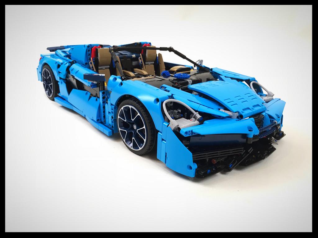 McLaren 570S realizat din piesele faimosului Lego Bugatti 42083