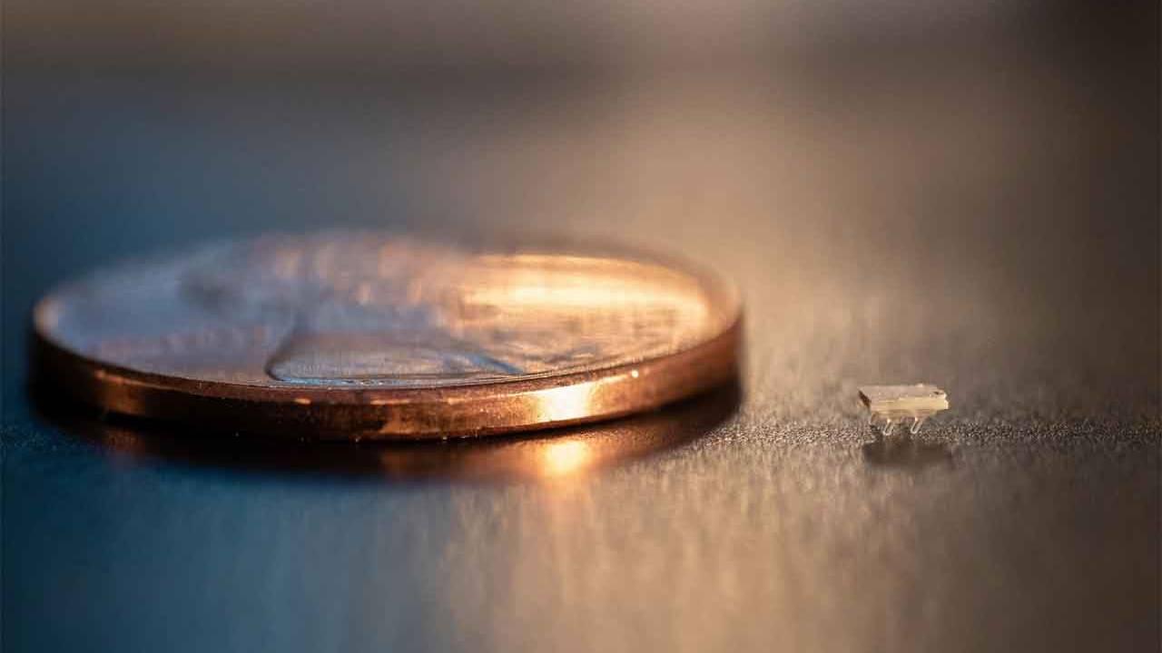 Oamenii de știință au dezvoltat roboți minusculi care imprimă 3D