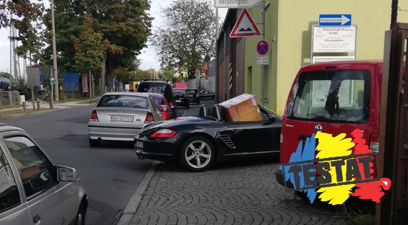 Atunci când trebuie să-ți transporți frigiderul și tu ai doar un Porsche!