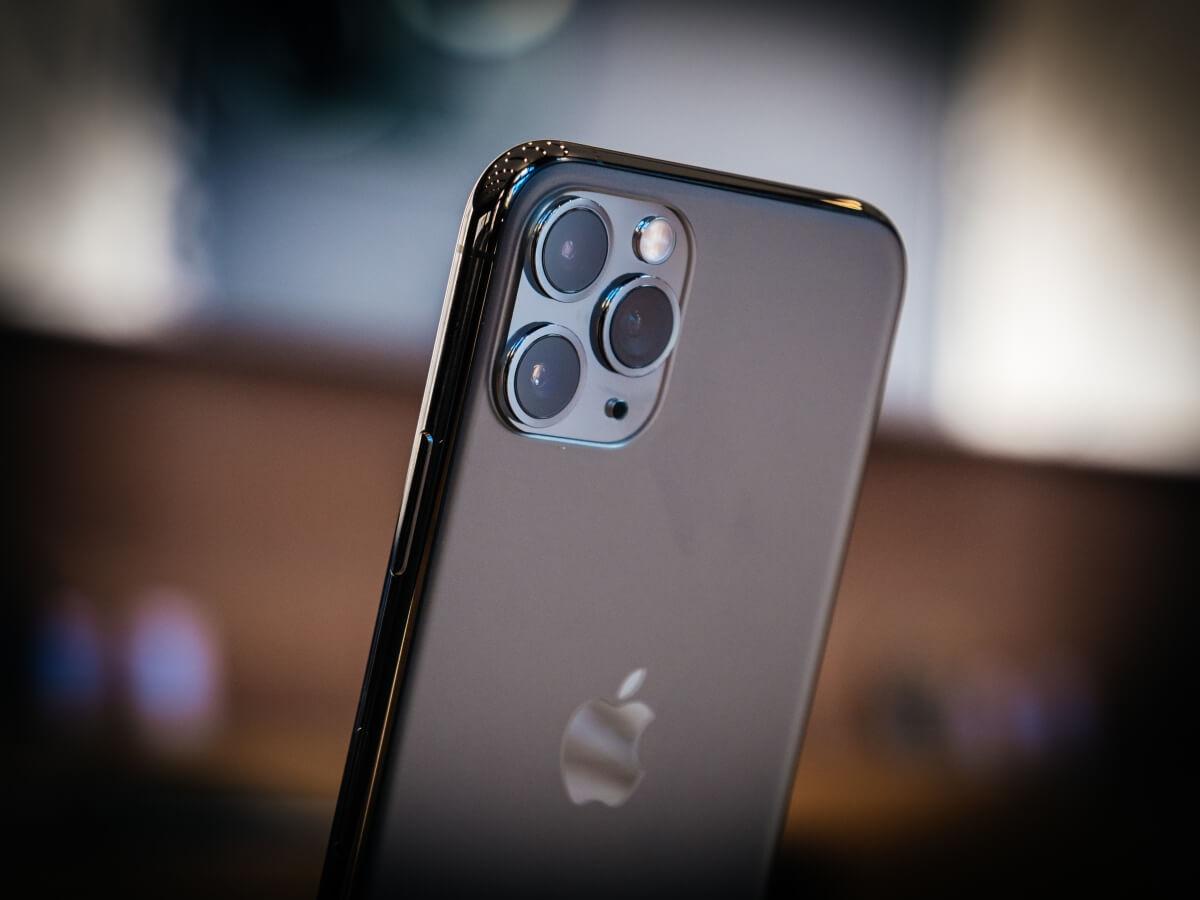 Inginerii dezvoltă lentile pentru camerele smartphone care sunt de 1.000 de ori mai subțiri decât lentilele convenționale