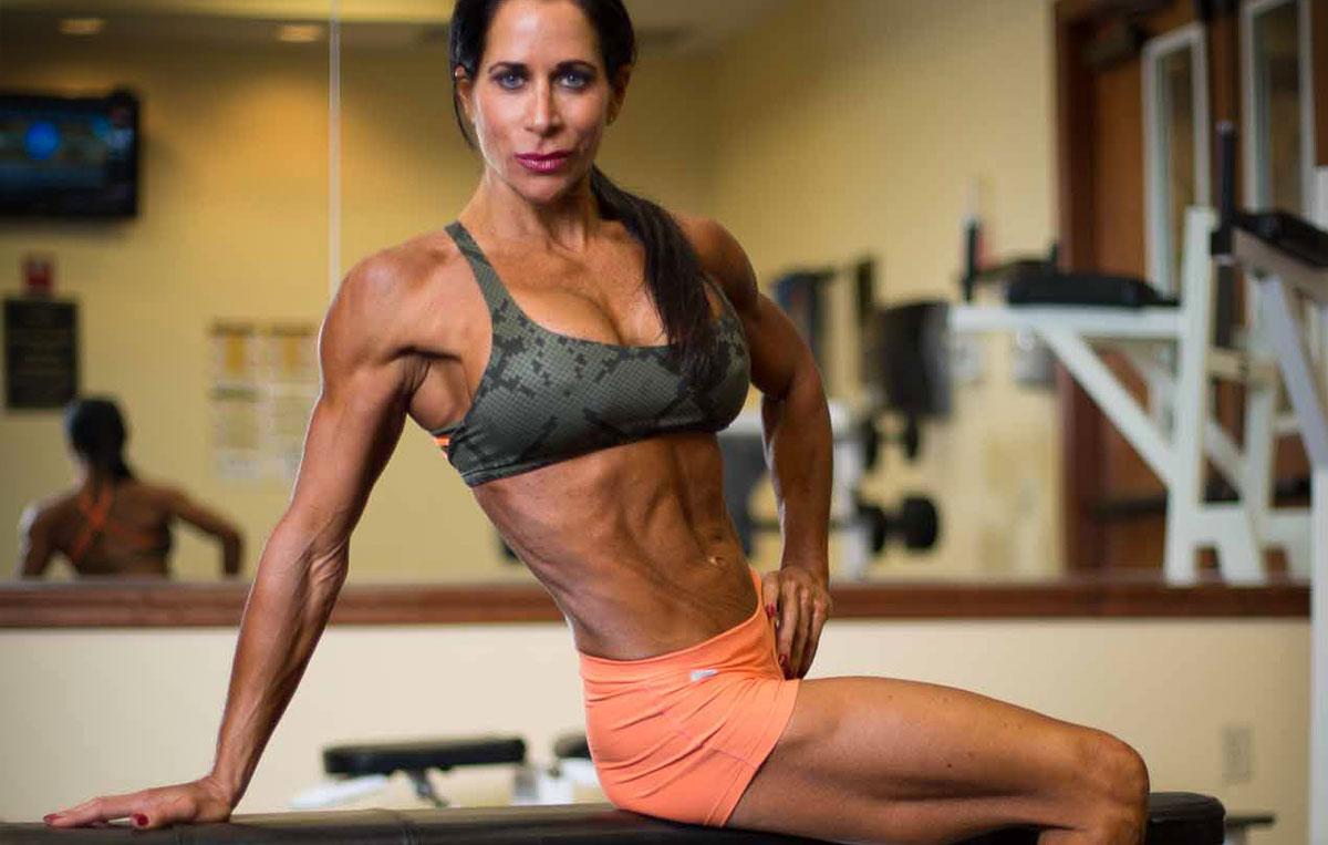 SuzAnne Llano – o culturistă vegană