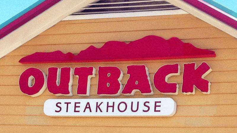 Outback Steakhouse lansează burgerul lor vegan în Brazilia