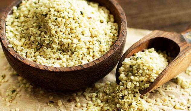 Semințele de cânepă vindecă cancerul, spune Dr. Leonard Coldwell