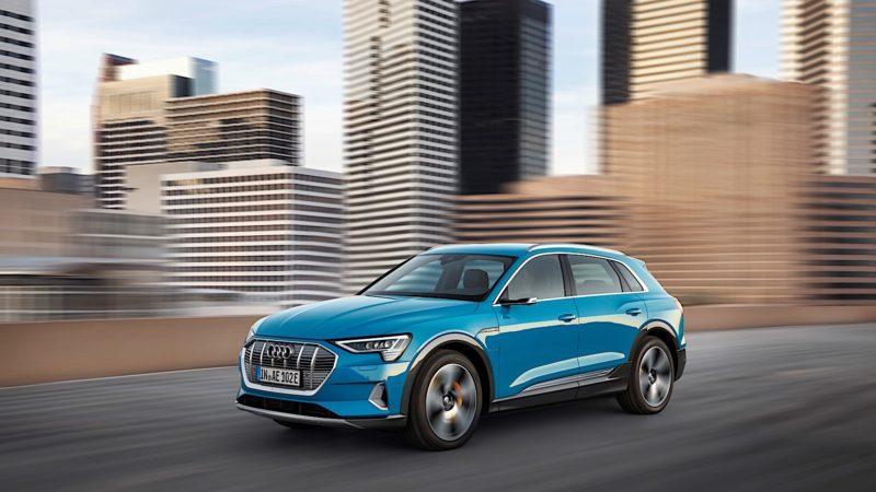 Foarte derutant pentru un șofer – Audi-ul lui electric îi cere schimbarea uleiului după 16.000 de km!