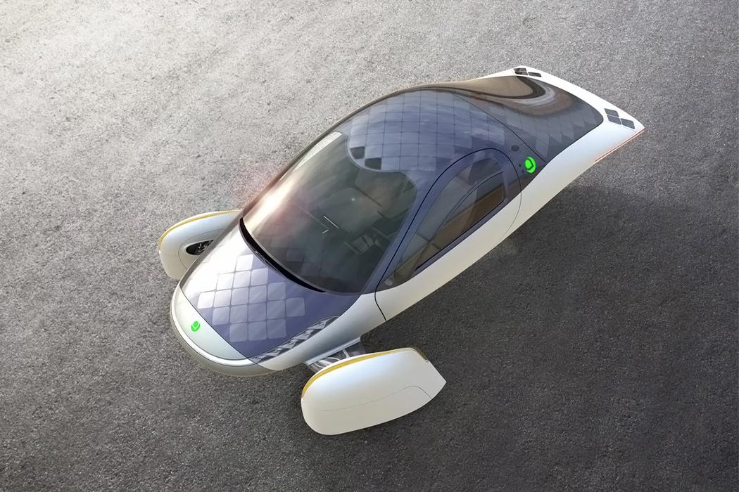 Mașina electrică Aptera promite o autonomie de 1600 km