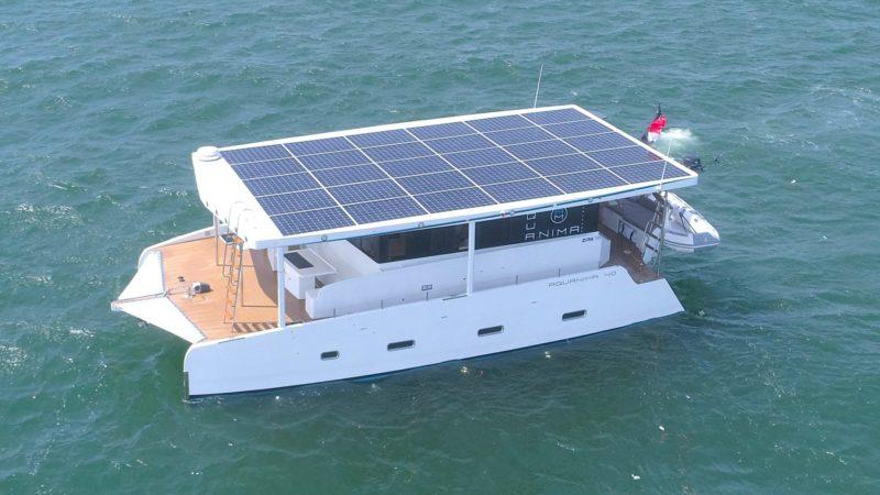 Iahtul de 500.000$ poate traversa orice Ocean doar cu energie solară