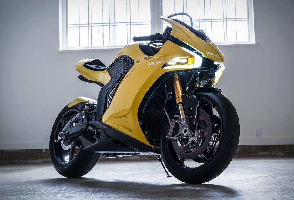 Motocicleta electrică Damon Hypersport atinge 320 km/h și are o autonomie de 320 km